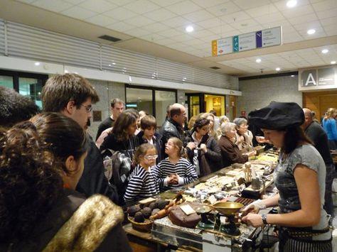 Compra, venta y exposión de productos. VI Salón del Chocolate de Madrid en Moda Shopping. @Chocoadictos.
