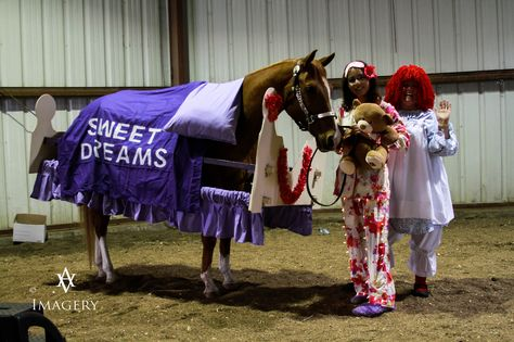 Bed Horse costume