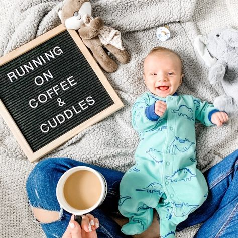 Fantastic baby arrival information are offered on our internet site. Have a look and you will not be sorry you did. Kids Sleep, Baby Sleep, Child Sleep, Baby Monat Für Monat, Monthly Baby Photos, Monthly Pictures, Baby Month Pictures, 3 Month Photos, Funny Baby Pictures