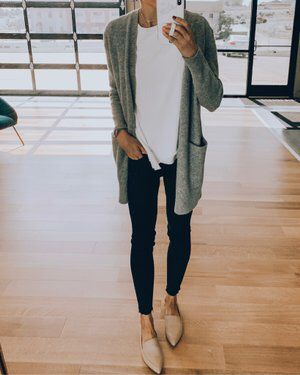 Shop this pic from Shop this pic from <br> Rainy Day Outfit For Work, Cute Rainy Day Outfits, Cold Weather Outfits, Casual Work Outfits, Winter Outfits For Work, Work Attire, Work Casual, Cute Outfits, Women Fall Outfits