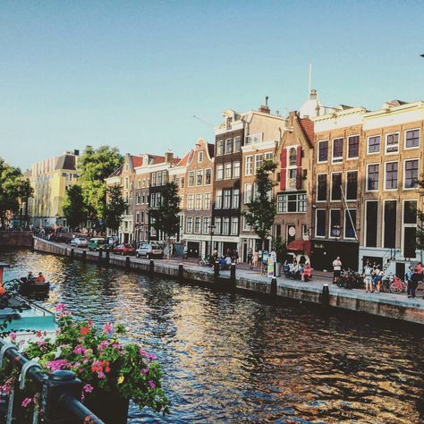 hapeamaton:  Anne Frank House - Amsterdam, Holland
