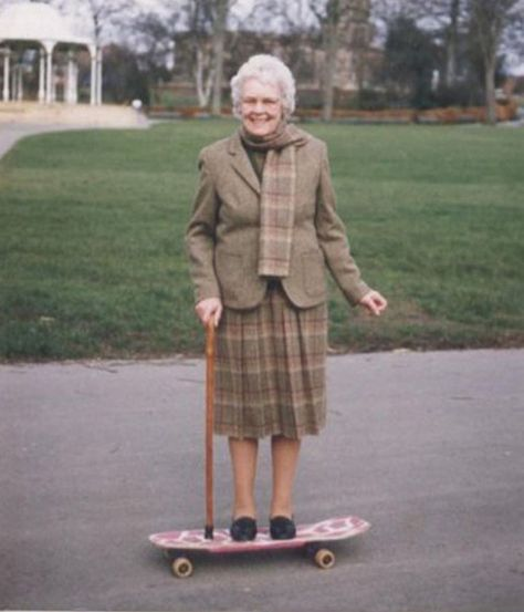Never to late to skate! I had a skateboard like this one. Girls Skate, National Grandparents Day, Skateboard Shop, Skateboard Bedroom, Young At Heart, Skater Girls, Longboarding, Forever Young, Skateboards