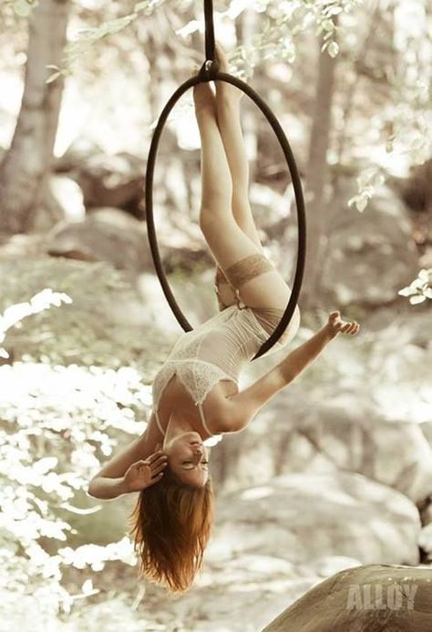 Aerial hoop. LOVE THIS next year hopefully in a DON CURRY shoot ill attempt this pic <3