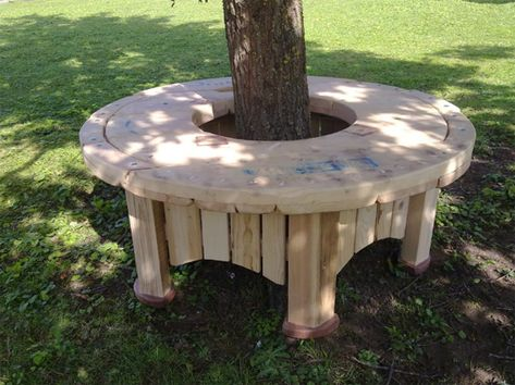 Tree seat made with a free cable spool