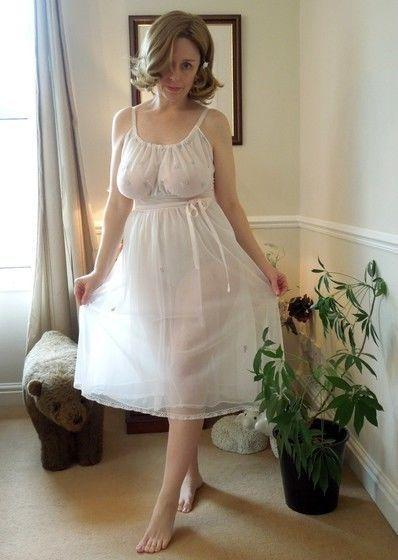 Amateur mature woman lingerie