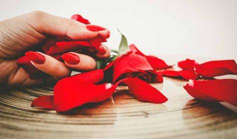 Uñas más fuertes con vaselina - Trucos de belleza caseros