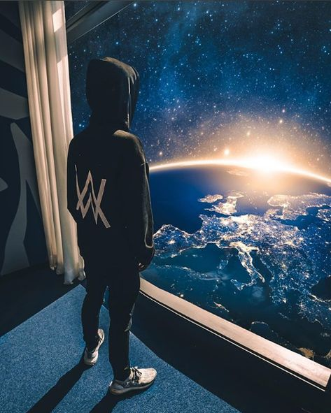 Here you can find most impressive collection of Alan Walker Logo Wallpaper to use as a background for your iPhone and Android device. Allen Walker, Walker Art, Wallpaper Space, Galaxy Wallpaper, Wallpaper Wallpapers, Manga Japan, Walker Logo, Foto Online, Foto Fantasy