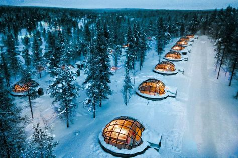 What It's Really Like to Spend the Night in an Igloo