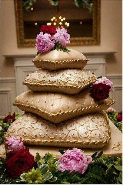 Best 25 Gold Pillow Shaped Wedding Cakes Ideas On Pinterest