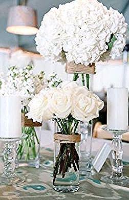 سحر الأبيض في باقات الزهور لا يضاها سواء في المتزل أو لتزيين طاولات الحفلات White أبيض مجوهرات اكسسوار Rose Wedding Bouquet Wedding Bouquets Lilac Bouquet