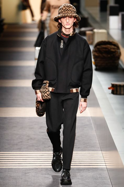 Fendi Fall 2018 Menswear Fashion Show Collection