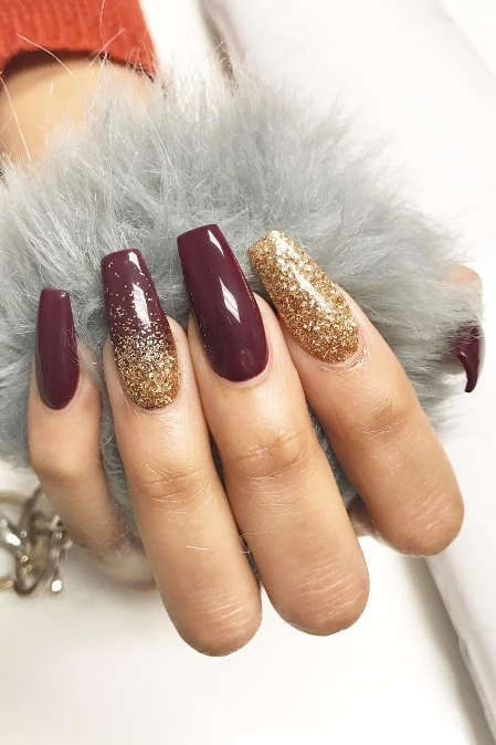 Red And Gold Christmas Nails : christmas, nails, Christmas, Holiday, Coffin, Designs, Howlives, #AcrylicNails, Bridesmaids, Nails,, Acrylic, Nails