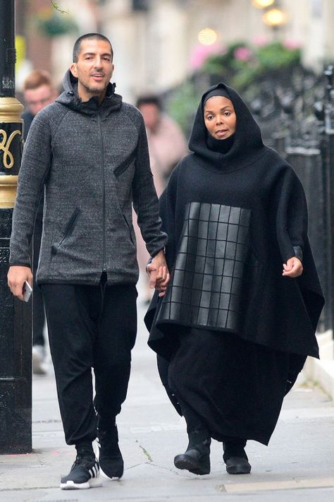 Janet Jackson is pregnant and shocked fans by going out in Islamic garb — get the inside story on Janet Jackson's secret Muslim life!