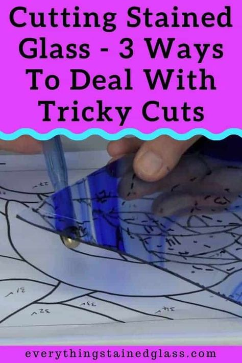 3 video techniques using tapping to overcome difficult stained glass cuts. Improve: Cutting inside curves Also any score lines that don't separate with thumbs or pliers and any cuts that are narrower at one end Stained Glass Patterns Free, Stained Glass Designs, Stained Glass Panels, Stained Glass Art, Mosaic Diy, Mosaic Glass, Fused Glass, Mosaic Ideas, Making Stained Glass