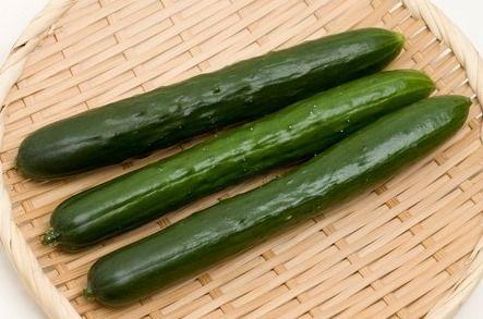 水 に 沈む 野菜