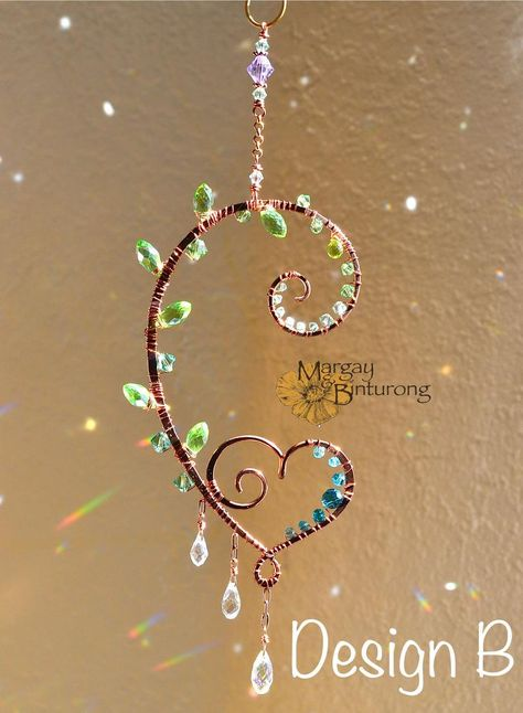 Curling Fern mini Suncatcher, Swarovski Crystal fern leaf plant personalized wire art nature inspired spiral swirl window hanging home decor Wire Jewelry Designs, Jewelry Knots, Wire Crafts, Jewelry Crafts, How To Make Crystals, Copper Frame, Mobiles, Beads And Wire, Wire Art