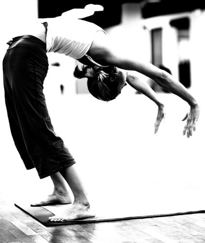 Dropping Back Reaching Up Through The Chest Forearms And Shoulders Landing Lightly Ayurveda Yoga Yoga Inspiration Yoga Backbend