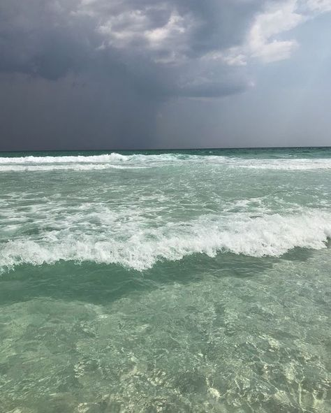 Nature Aesthetic, Beach Aesthetic, Aesthetic Colors, Summer Aesthetic, Aesthetic Photo, Aesthetic Pictures, Mint Green Aesthetic, Shades Of Green, Aesthetic Wallpapers