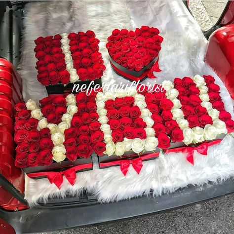 flowers Premium Box flowers Red Roses...