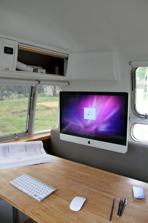 Mobil Office.....Living Large in an Airstream Trailer