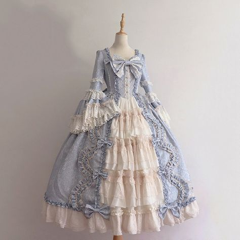 1800s Dresses, Old Dresses, Pretty Dresses, Beautiful Dresses, Long Sleeve Vintage Dresses, Victorian Gown, Victorian Fashion, Victorian Style Dresses, 1800s Fashion