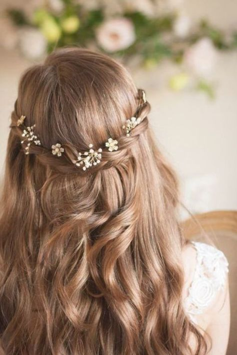 Elegant brides&bridesmaids hairstyle for long hair #hairstyle #hairstyles #bridalhairstyle #weddinghairstyles #halfuphalfdown #weddinghairstylesupdo #weddingupdo #bridalupdo #wedding #weddings