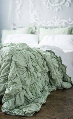 Rosette Quilt in Green Stripe, coming soon.