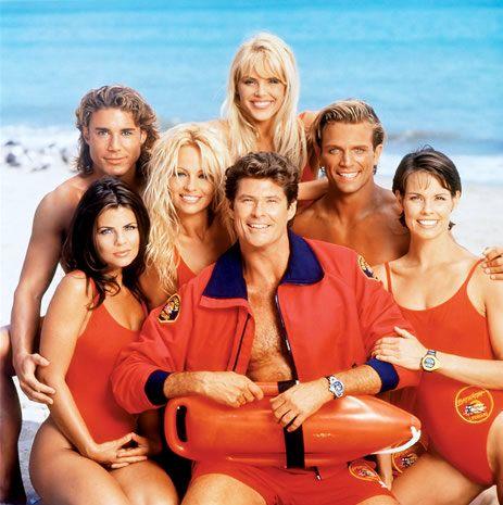 Versión para la pantalla grande de la popular serie de televisión de los años 90 vigilantes de la playa.
