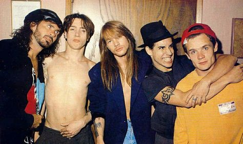 Chad Smith, John Frusciante, AXL, Anthony Kiedis, and Flea - Red Hot Chili Pepper with Axl Rose (Guns n'Roses).