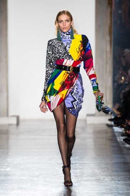 Get inspired and discover The Best Looks of Milan Fashion Week trunkshow! Shop the latest The Best Looks of Milan Fashion Week collection at Moda Operandi.