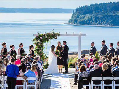 Chambers Bay Golf Club University Place Weddings Tacoma Wedding Venues 98467 Tacoma Wedding Venue Tacoma Wedding Wedding Venues