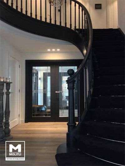 23+ Pretty Painted Stairs Ideas to Inspire your Home Black painted - escalier interieur de villa