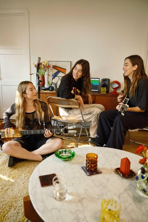 Filled with natural light, handmade decor, and vintage furniture, this is the home studio of musical trio HAIM. See how their California studio turned into a creative space to collaborate thanks to personal and inspiring items from Etsy.