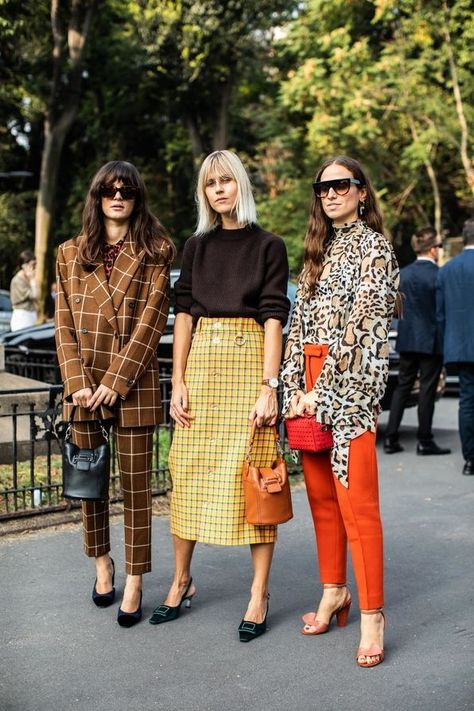 Day 4 Street style at Milan Spring-Summer Fashion Week 2019 Milan Street Style, Printemps Street Style, Street Style Outfits, Street Chic, Fashion Outfits, Womens Fashion, Street Style Trends, Ladies Fashion, Spring Street Style