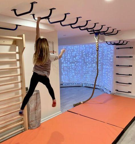 Kids Basement, Basement Play Area, Indoor Playroom, Gym Room At Home, Kids Gym, Playroom Design, Kids Bedroom Designs, Playroom Organization, Playroom Ideas