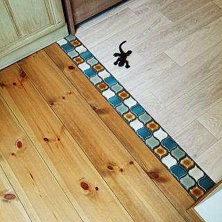 キッチン リフォーム 無垢の床 クッションフロア 床見切り などの