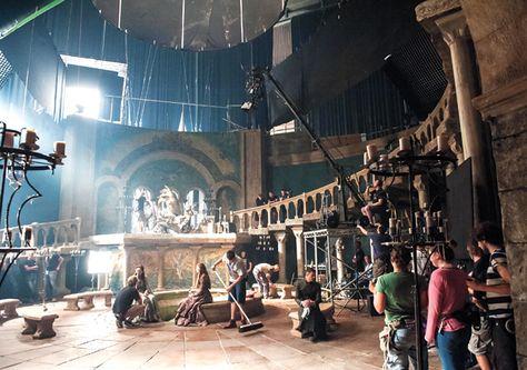 Game Of Thrones Photo Album Glimpses Behind The Scenes From Seasons 1 4 Scene Photo Behind The Scenes Scenes