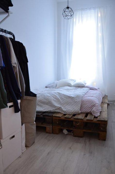 Einrichtungsidee Palettenbett. Schönes Bett aus Europaletten ...