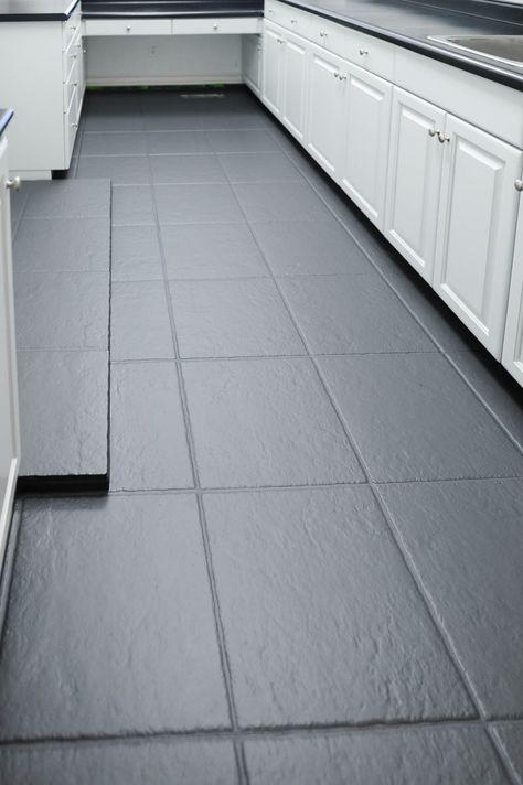 Painting Ceramic Tile Floor, Painting Tile Floors, Painted Bathroom Floors, Painting Bathroom Tiles, Tile Floor Diy, Slate Flooring, Bathroom Floor Tiles, Painted Floors, Kitchen Flooring