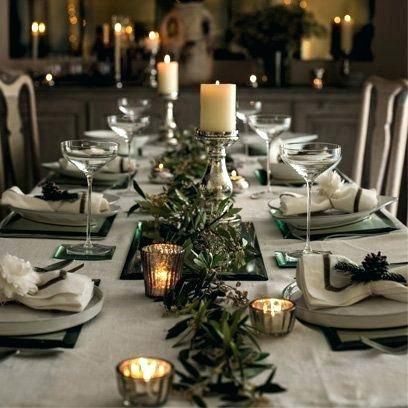 Christmas Table Ideas Dressing A Table Table Decorations Centerpieces Id Christmas Decorations Dinner Table Christmas Table Centerpieces Christmas Dinner Table