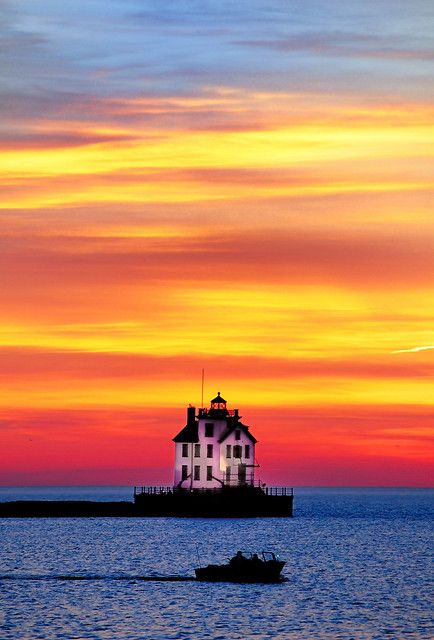Colorful Sky over Lake Erie and the Lorain Lighthouse after sunset. Colorful Sky over Lake Erie and the Lorain Lighthouse after sunset. Beautiful Sunset, Beautiful Places, Beautiful Scenery, Beau Site, Wonders Of The World, Places To See, Around The Worlds, Lorain Ohio, Northern Lights