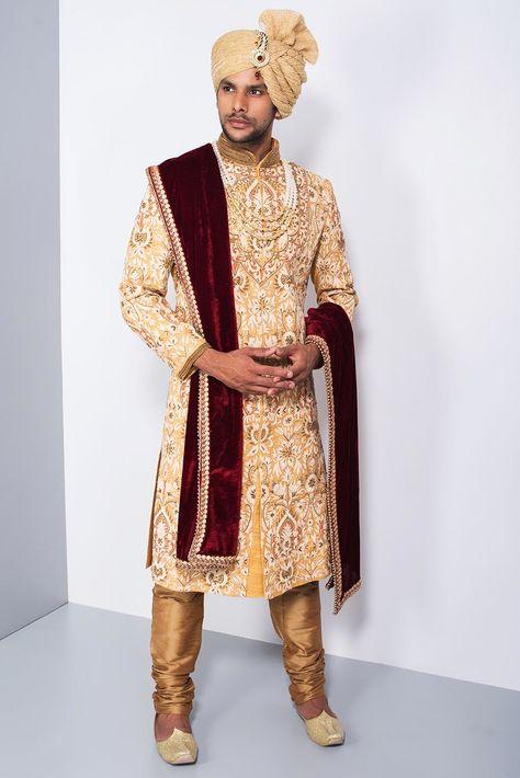 Ekaksh Yellow and White Heavy Embroidered Sherwani #flyrobe #groom #groomwear #groomsherwani #sherwani #flyrobe #wedding #designersherwani