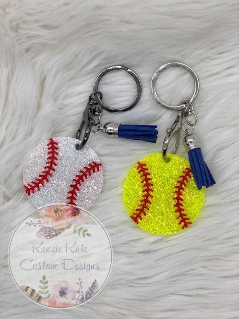 Softball or Baseball Keychain Diy Resin Keychain, Acrylic Keychains, Diy Resin Crafts, Crafts To Sell, Keychain Design, Keychain Ideas, Cheer Makeup, Softball, Baseball
