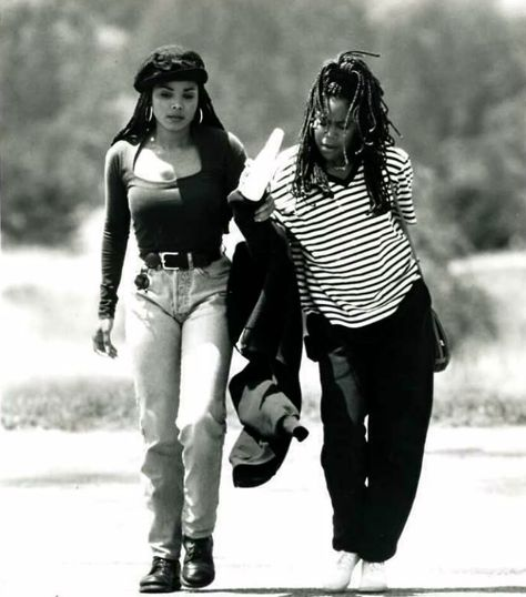 pendule for janet photo: Janet Jackson Regina King Poetic Justice justice Braids diy Janet Jackson Poetic Justice, Janet Jackson 90s, Black 90s Fashion, Senegalese Twist Styles, 90s Inspired Outfits, Poetic Justice Braids, Regina King, Justice Clothing, 90s Outfit