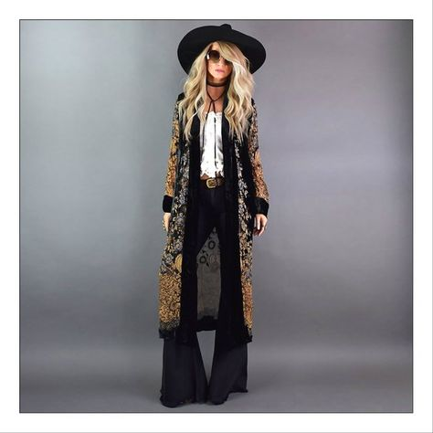Move over, Rover and let Jimi take over - Swoon worthy badass Jimi Hendrix inspired velvet burnout duster! Look Boho Chic, Looks Chic, Looks Style, Bohemian Style, Style Me, Bohemian Fashion, Gypsy Style, Gypsy Cowgirl Style, Cowgirl Chic