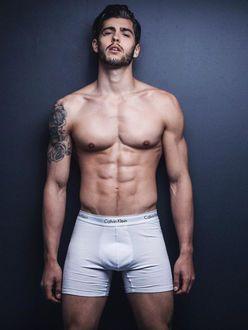 Фото моделей мужчин в нижнем белье роксан киев работа