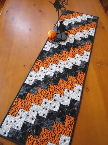 Table Mountain On Halloween 2020 Table Runners – Patchwork Mountain in 2020   Fall table runner