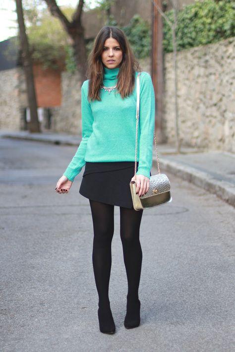 trendy_taste-look-outfit-street_style-moda_españa-fashion_spain-chic-elegante-arreglado-salones_negros-medias_negras-chaqueta_beis-beige_jacket-paño-jersey_turquesa-turquoise_knit_sweater-cos-polaroid-8