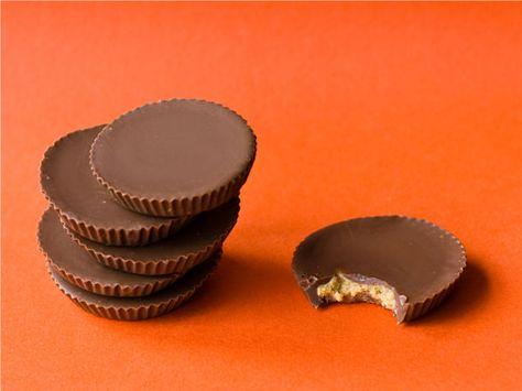 Miam! Miam! Miam! Préparez vous de délicieux desserts au chocolat style Reese dans le confort de votre maison :)