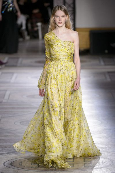 Giambattista Valli Couture - The Most Gorgeous Gowns From Paris Couture Week Spring 2018 - Photos